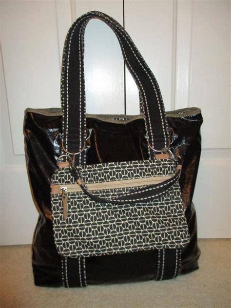 Fossil Tote Y fossil key per and baguette black tote bag totes on sale