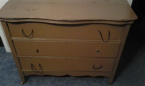how much is my couch worth how much is my antique 3 drawer dresser worth my antique