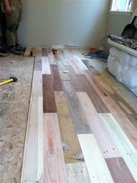 Pallet Board Flooring by Diy Project Pallet Wood Floor Home Design Garden