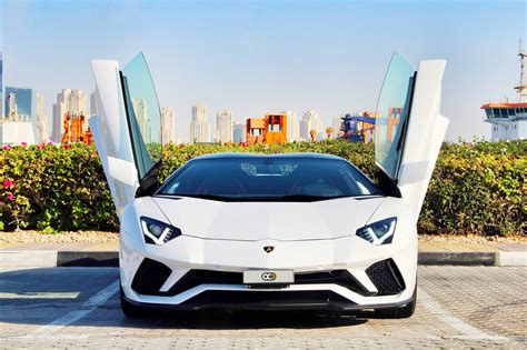 Best Car Insurance Companies In Dubai by Guide To The Best Supercar Rental Experience In Dubai