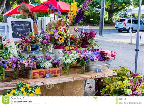 Flower Vase Stand Flower Stand Editorial Image Image 85651135