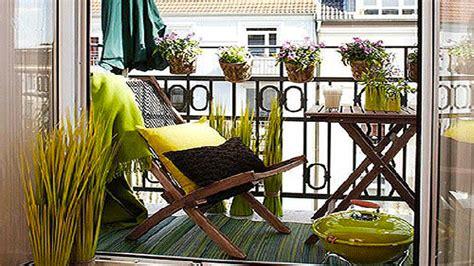 Amenagement Balcon En Longueur 2228 by Am 233 Nager Balcon Avec De La Couleur Deco Cool