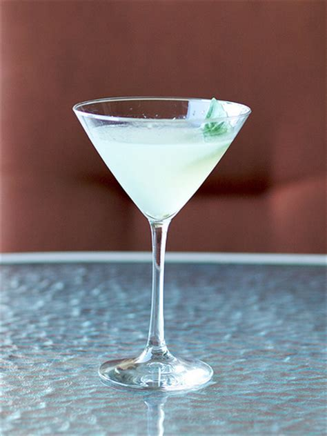 classic summer cocktails classic cocktail history the gimlet gunther toody s