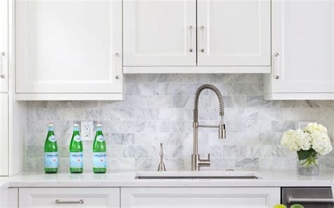 backsplashes for white kitchens the best kitchen backsplash ideas for white cabinets