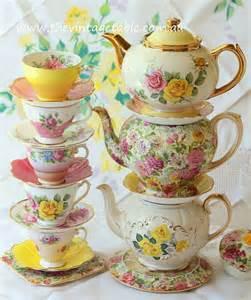 pretty teacups teapots tea cups and tea pots