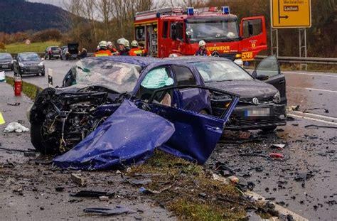 Porsche Böblingen by Schwerer Unfall Im Zollernalbkreis Frau Stirbt Nach Crash