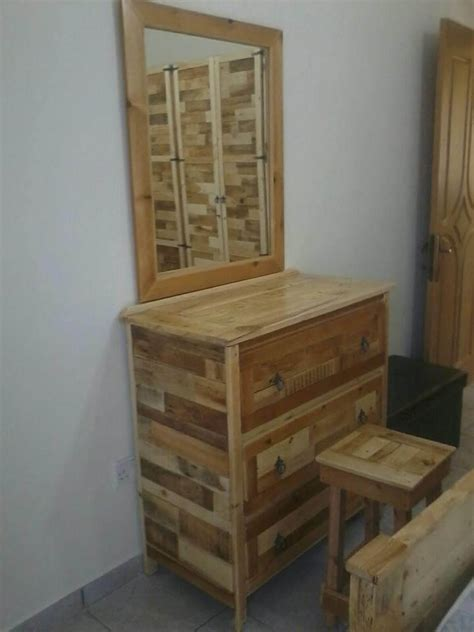 Pallet Bedroom Furniture Bedroom Furniture Refurbish With Pallets