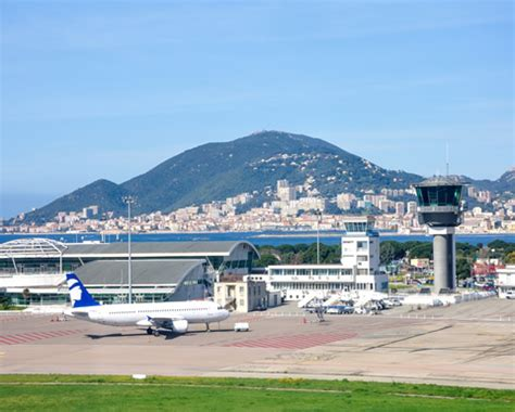 Location Voiture Port Ajaccio by Location A 233 Roport Ajaccio Napol 233 On Bonaparte Minibus
