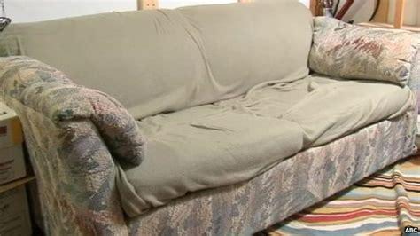 money found in couch bbc news three friends return 40 000 found stuffed in couch
