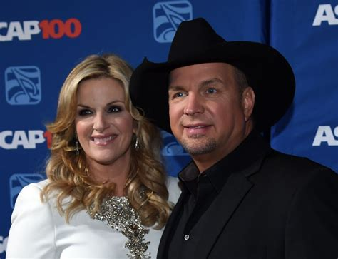 flashback garth brooks trisha yearwood gaze in another s eyes during early duet music news