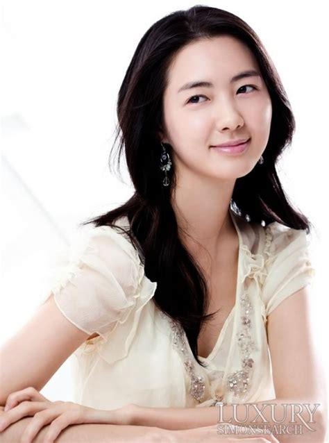 film terbaru lee yo won biodata profil lee yo won artis cantik korea coba unik