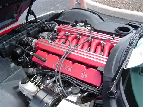 how cars engines work 1998 dodge viper parking file 1992 dodge viper engine jpg wikimedia commons