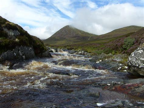 glen affric cottages scotland walk tom a choinich glen affric scotland