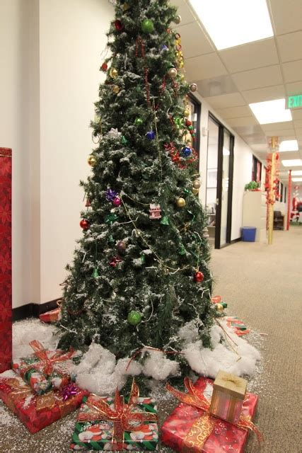 how to decorate a bureau for christmas in a tiny cottage 30 best pole decorating contest images on the office bureaus and corporate