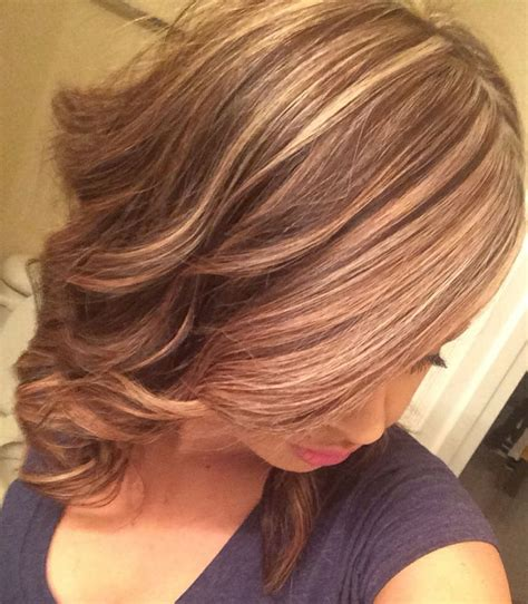 medium length highlighted hairstyles blonde highlights on medium length hair beauty tips