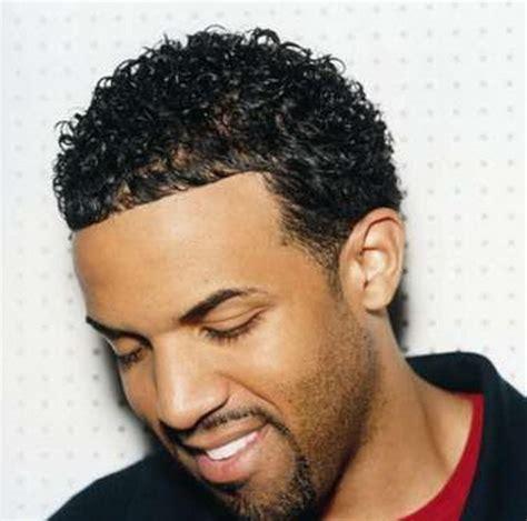 coupe de cheveux courte pour homme coupe courte afro coiffure coupes pour homme et femme