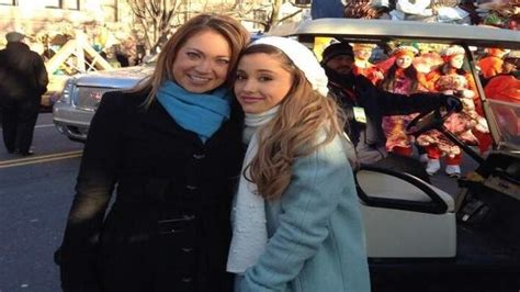 how long does the thanksgiving day parade last video macy s thanksgiving day parade ariana grande