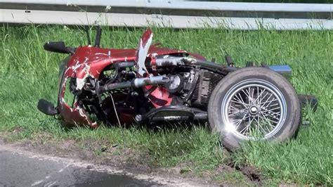 Motorrad Und Beiwagen by Emtinghausen Unfall Mit Motorrad Beiwagen Gespann