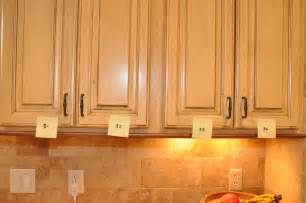chalk painting kitchen cabinets annie sloan chalk paint