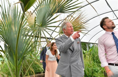 charles furney prince charles visits jimmy s farm in england instyle com