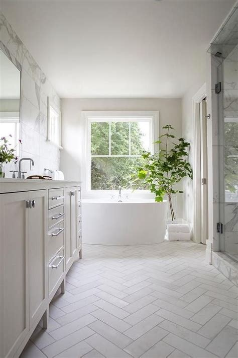 white bathroom floor best 20 white bathrooms ideas on