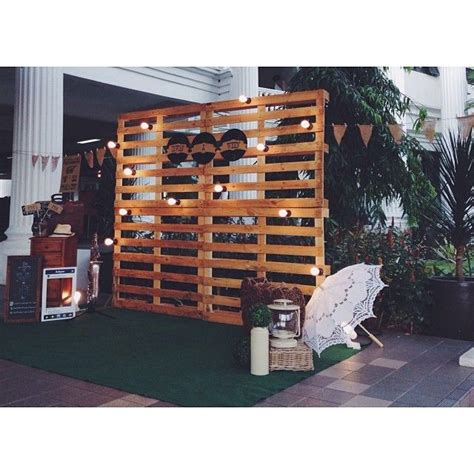 kayu design instagram wedding pelamin wedding dais dais diy pallet rustic