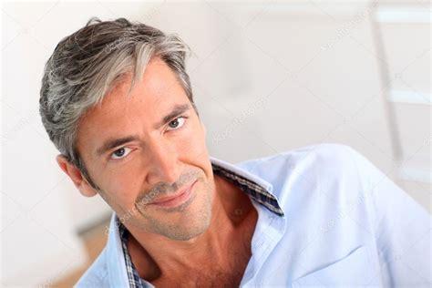 imagenes de hombres interesantes retrato de hombre atractivo de 40 a 241 os de edad fotos de