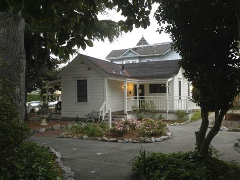 Cottages In Santa Santa Youth Hostel Carmelita Cottages Hotel 321