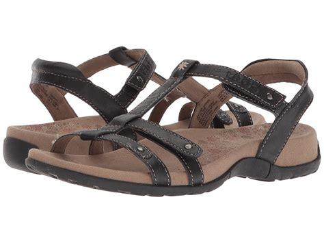 taos trophy sandals taos footwear trophy black s sandals pricetk