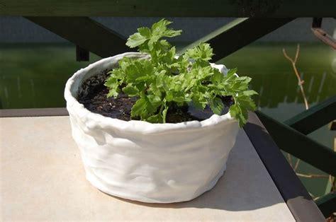 vaso fai da te vasi di plastica vasi realizzare e decorare vasi di