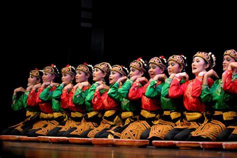 tari saman dance tutorial saman dance aceh top indonesia holidays