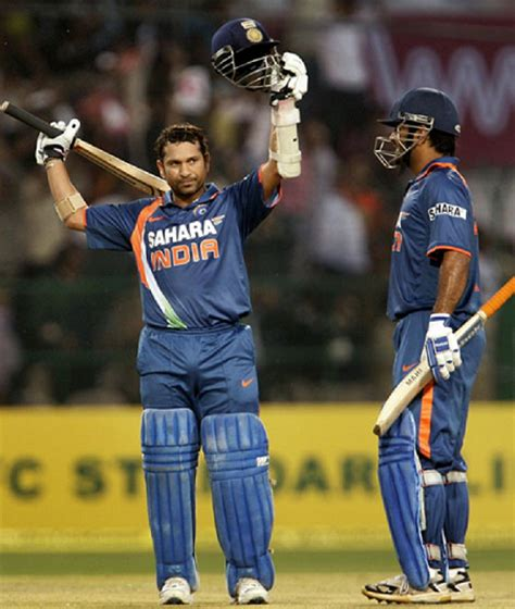 Ms Records Ms Dhoni Is Ecstatic As Sachin Tendulkar Breaks The Record Of 194