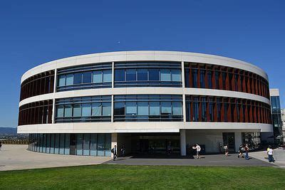 How Is It To Get Into Loyola Marymount Mba by Loyola Marymount Gpa Sat Scores And Act Scores