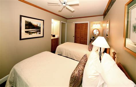 two bedroom hotel suite for families chelsea hotel toronto spacious family hotel suites mission point resort in