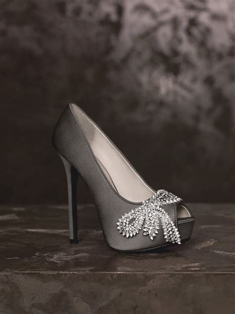 2013 white by vera wang wedding shoes vw370143