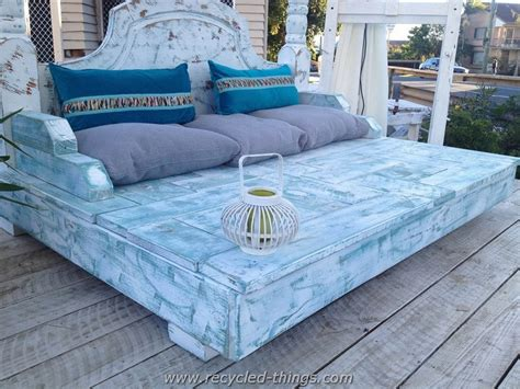 recycled pallet daybed ideas recycled things