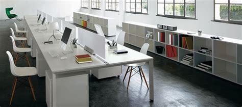 disposizione scrivanie ufficio scrivanie ufficio brescia confortevole soggiorno nella casa