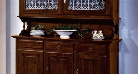 credenze a muro credenze in cucina la cucina modelli di credenze per