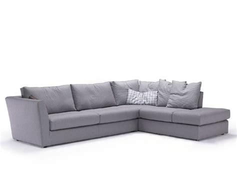 ovvio poltrone divani in pelle o divani in tessuto archistyle