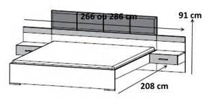lit contemporain avec chevets suspendus blanc