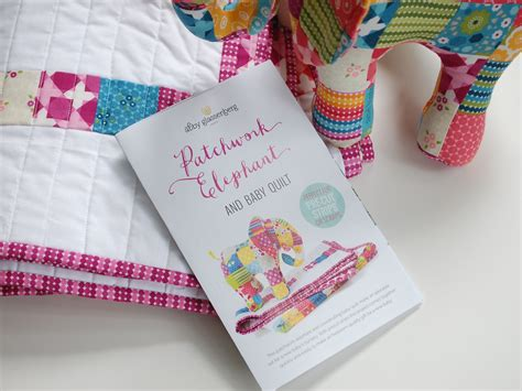 Patchwork Elephant Pattern - patchwork elephant and baby quilt print pattern