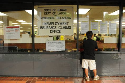 Unemployment Office Hawaii by Hawaii Unemployment Rates Dips To 10 Year Low Of 2 6