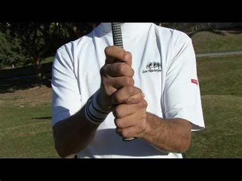 videojug golf swing how to grip a golf club properly youtube