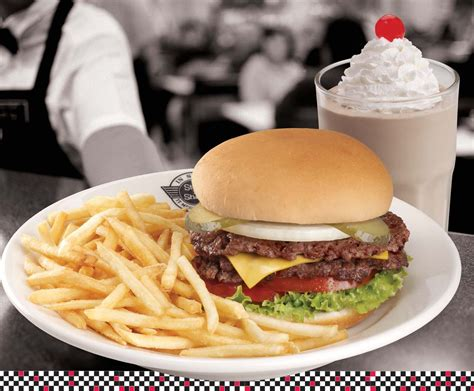 n shake 41 steak n shake raising s to open in ole miss pavilion for new dining
