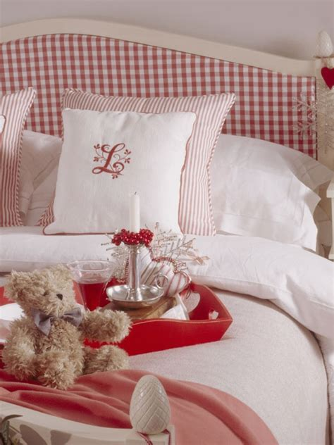 red and white girls bedroom red gingham headboard christmas cottage pinterest