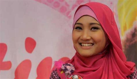 tutorial turban lapis tutorial tips memilih hijab sesuai dengan bentuk wajah