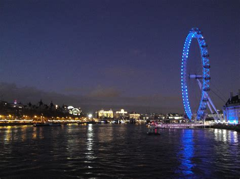 thames river boat night river thames night www pixshark com images galleries