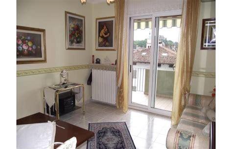 appartamenti in affitto gorizia privato affitta appartamento bicamere arredato centro