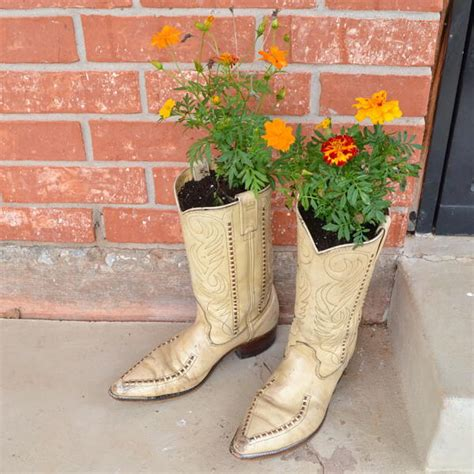 Large Cowboy Boot Planter by Cowboy Boot Diy Planters Allfreeholidaycrafts