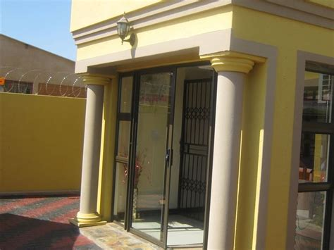 beverly hills guest house  mabopane
